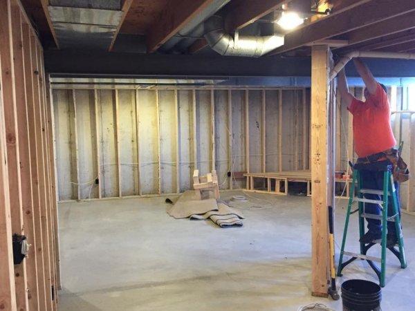 framing up basement.jpg